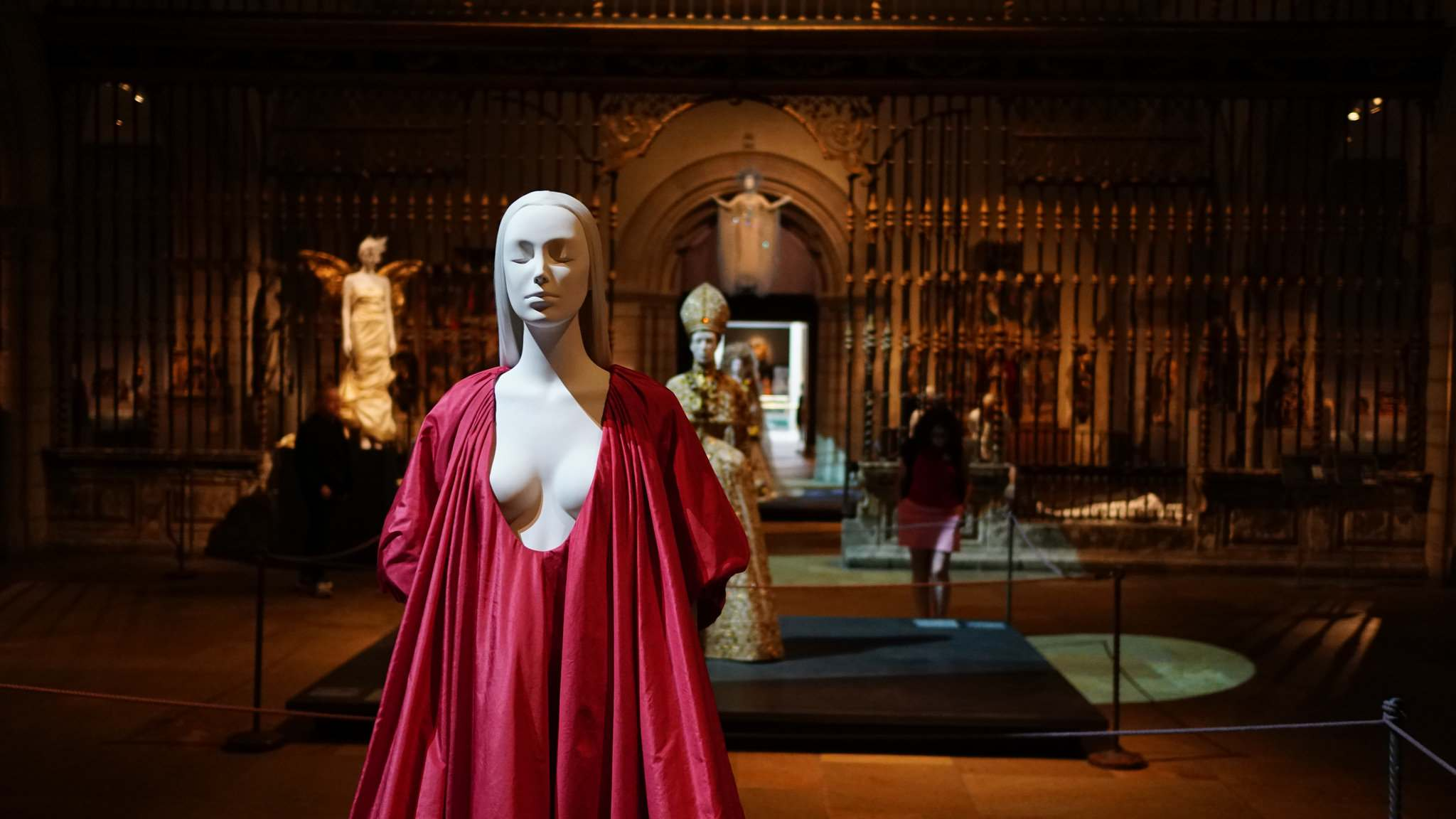 heavenly bodies7 Heavenly Bodies: Fashion and the Catholic Imagination in MET