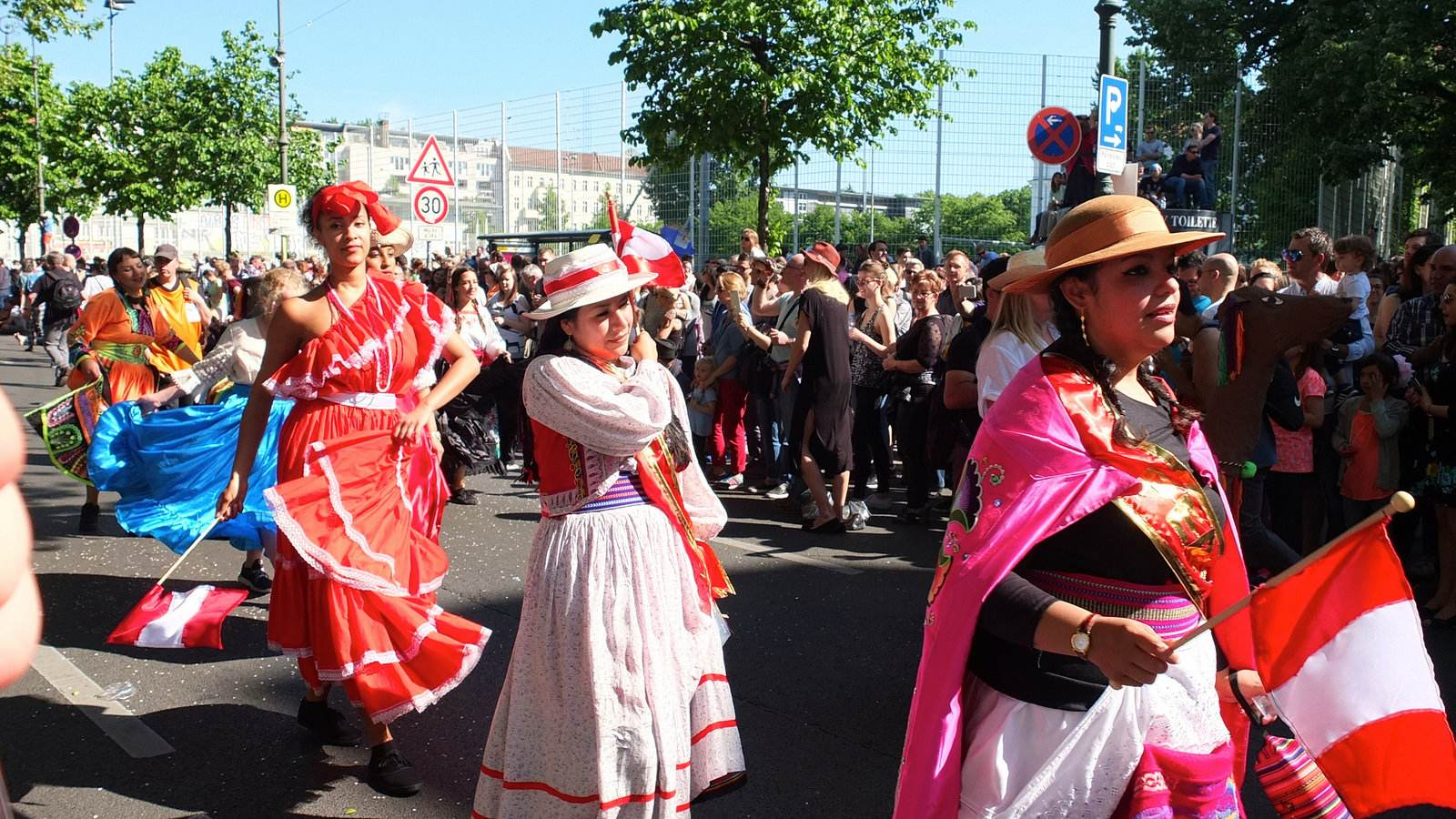 karnevalderkulturen11 KdK   Karneval der Kulturen in Berlin (Carnival of Cultures)