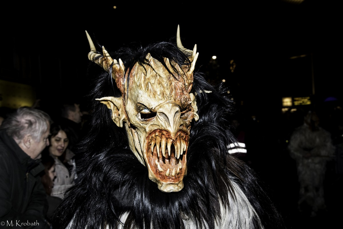 krampus perchten20 Krampus and Perchten Run in Graz, Austria