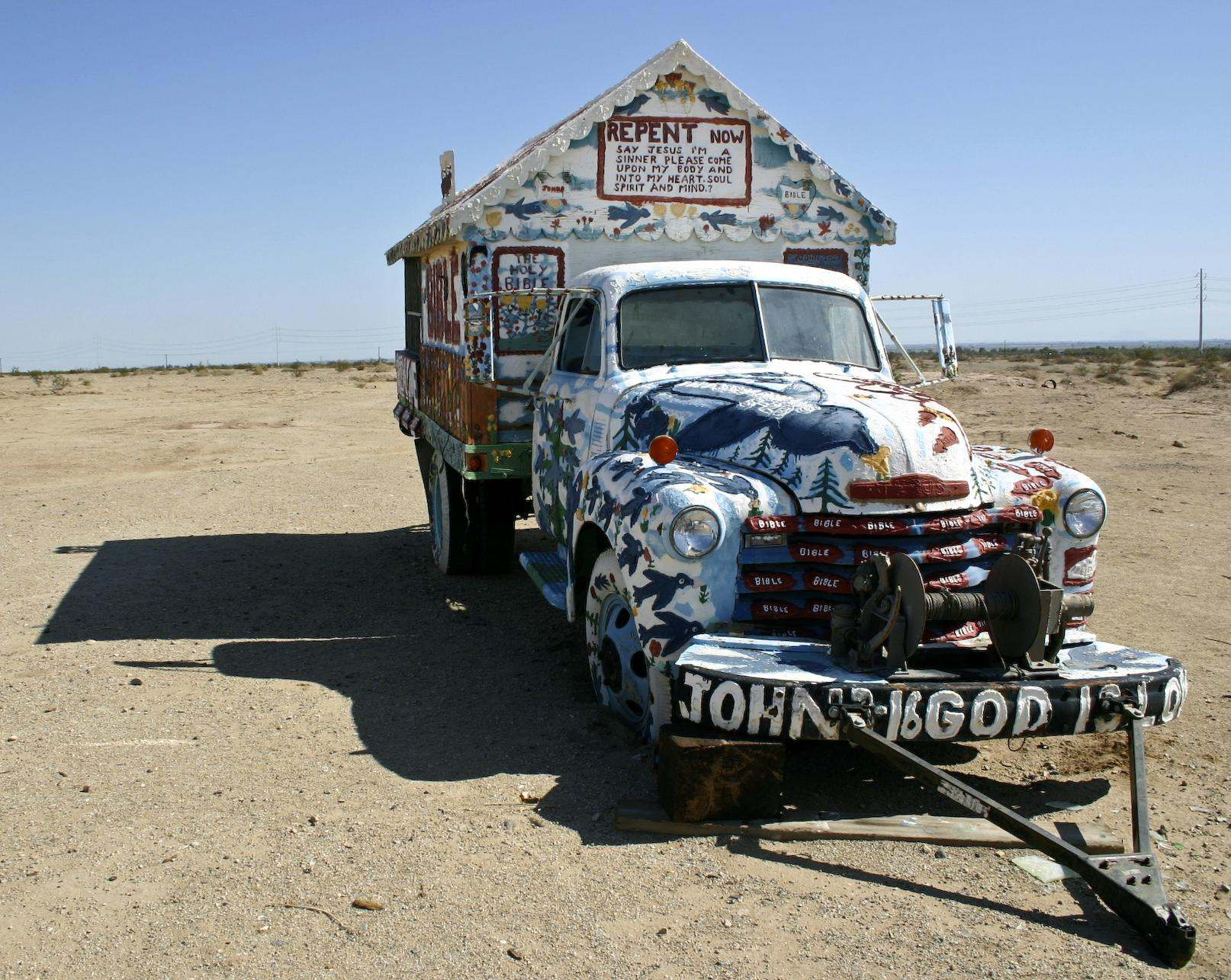 salvation mountain6 Truly Unique Salvation Mountain in California