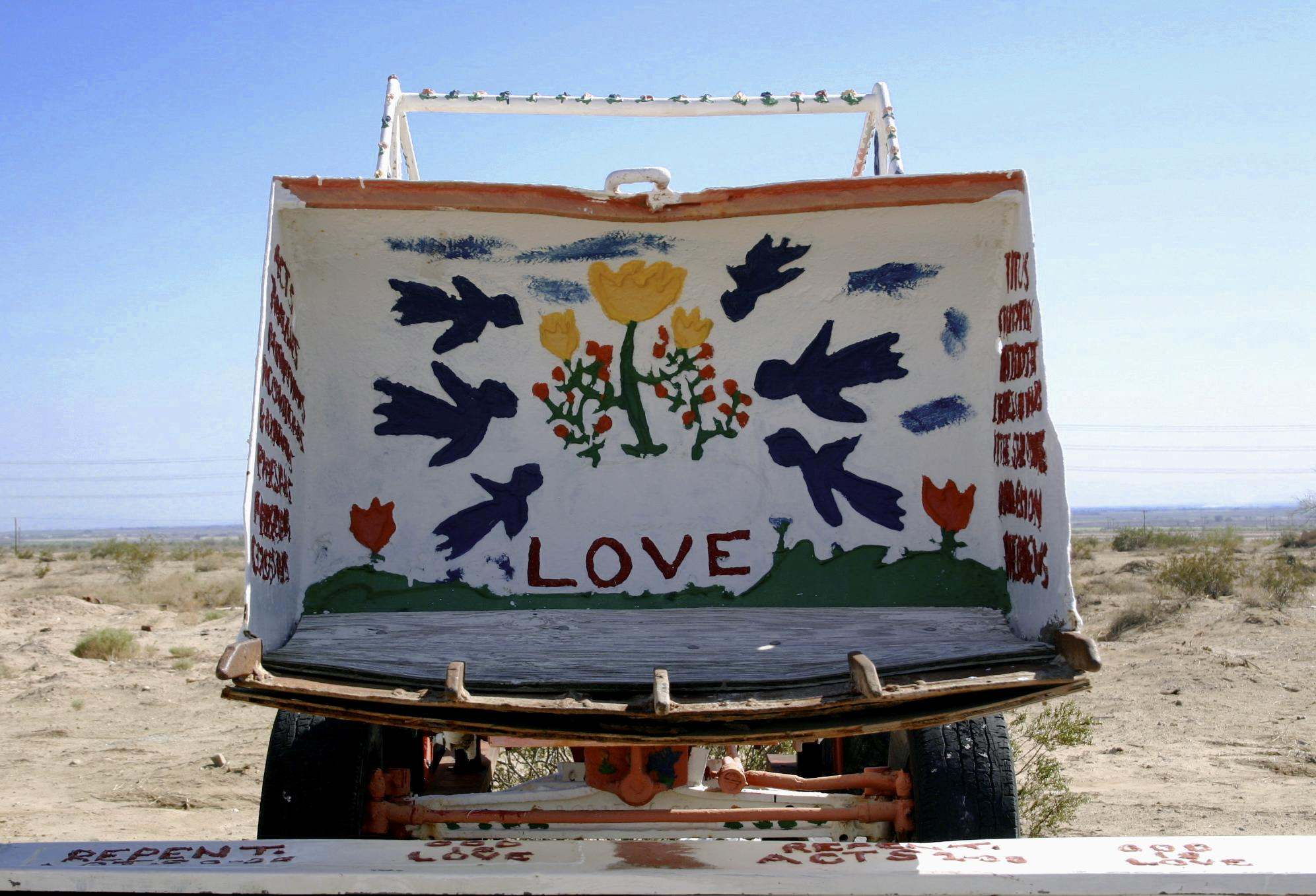 salvation mountain8 Truly Unique Salvation Mountain in California