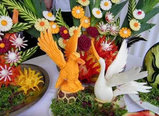fruit carving12 Unbelievable Fruit and Vegetable Carving