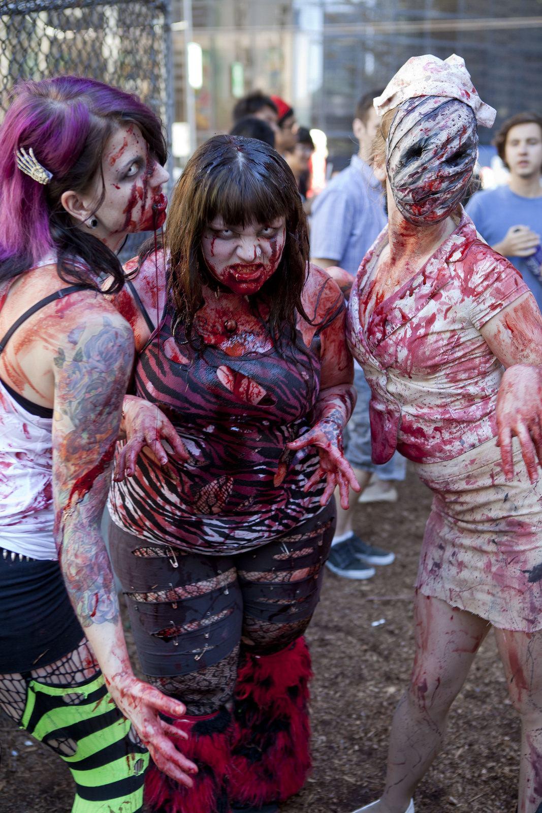 zombie5 Vancouvers Biggest Zombie Walk 2014
