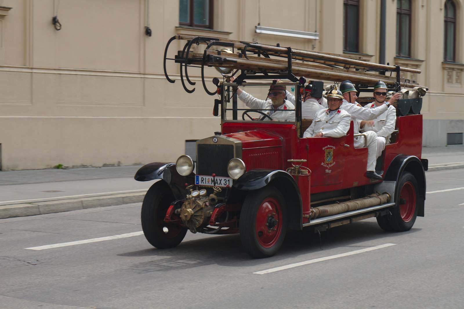 volunteer fire department2 150 Years Volunteer Fire Department in Munich