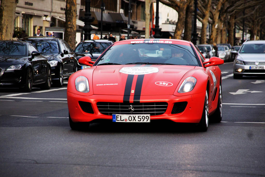amazing supercars streets berlin1 Amazing Supercars in the Streets of Berlin
