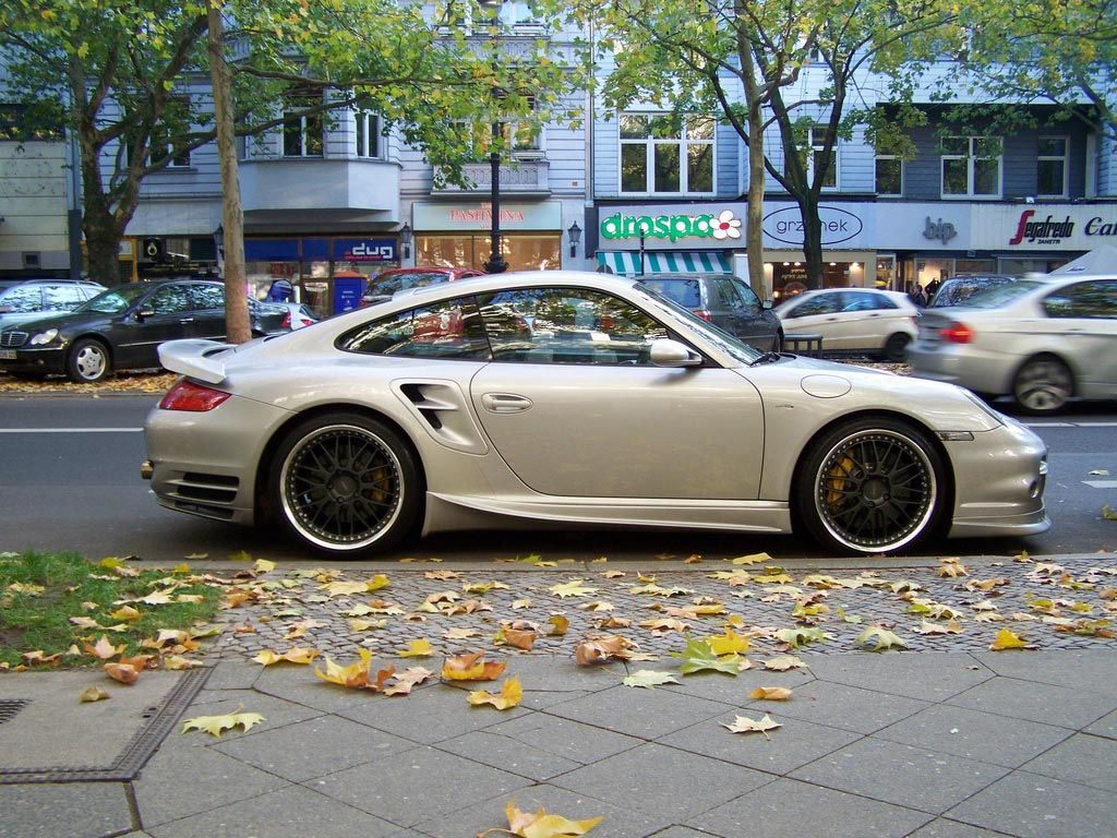 amazing supercars streets berlin27 Amazing Supercars in the Streets of Berlin