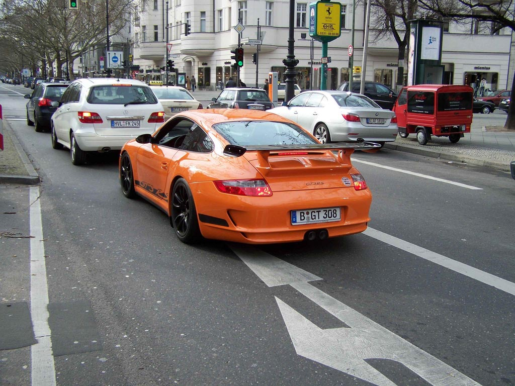 amazing supercars streets berlin4 Amazing Supercars in the Streets of Berlin