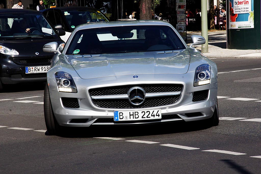 amazing supercars streets berlin5 Amazing Supercars in the Streets of Berlin