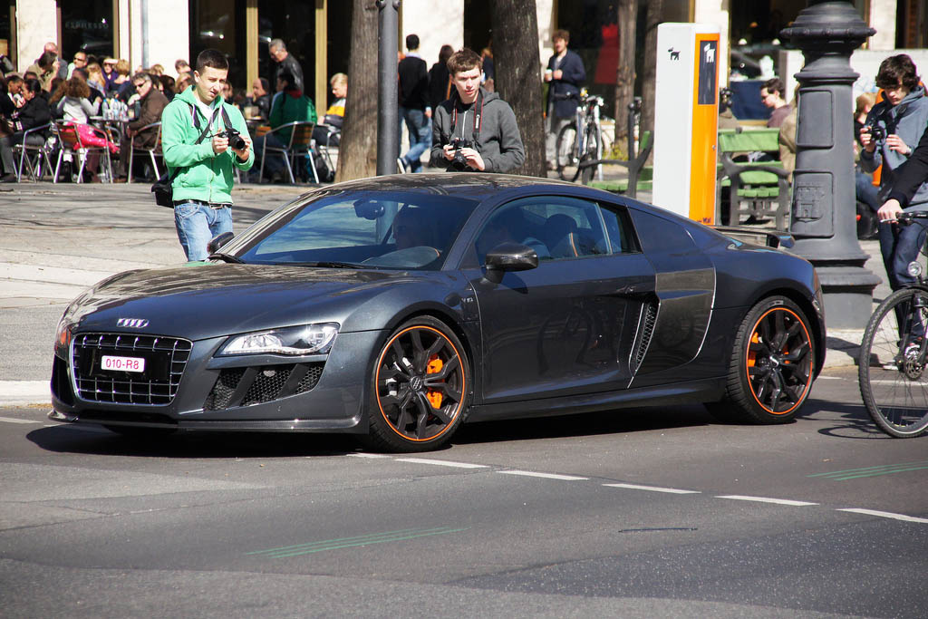 amazing supercars streets berlin8 Amazing Supercars in the Streets of Berlin
