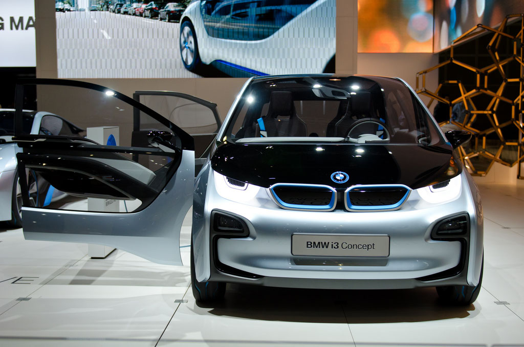 bmw concept5 BMW Looks to the Future   i8 and i3 Concept