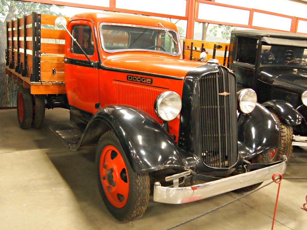 classic trucks10 Classic Trucks in Hays Antique Museum, California
