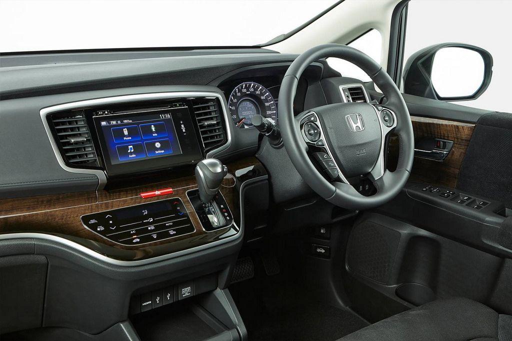honda odyssey5 Honda Odyssey Minivan 2014   Bigger is Better
