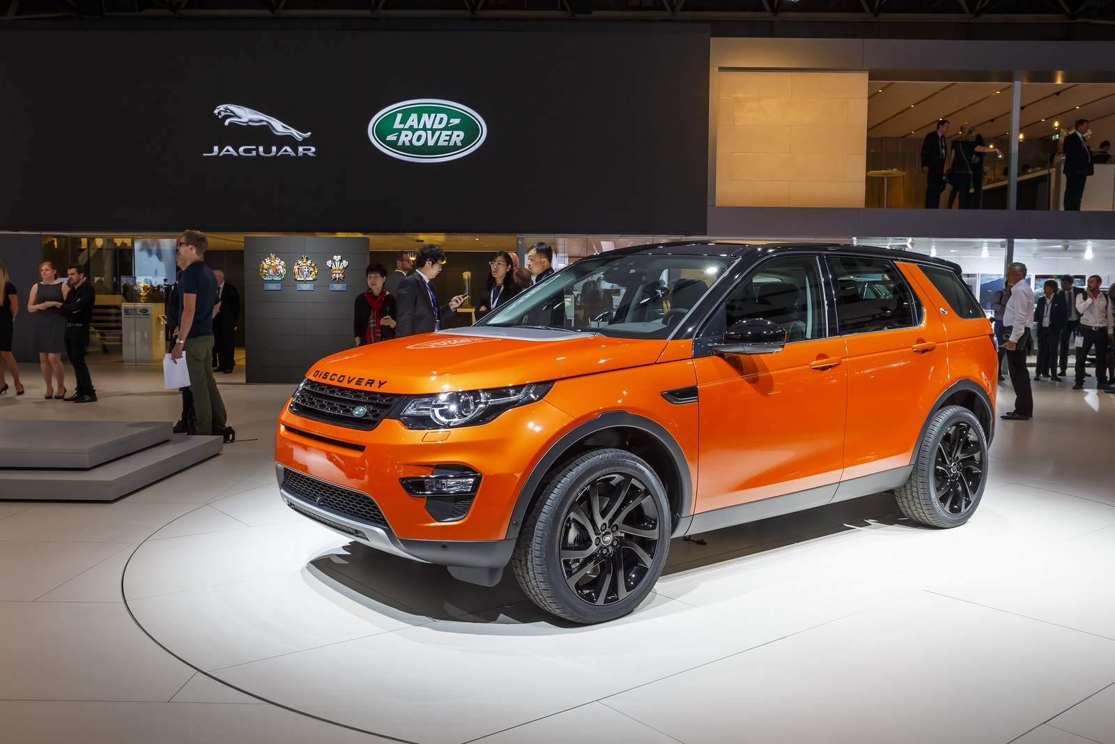jaguar and land rover at paris auto show 2014. Black Bedroom Furniture Sets. Home Design Ideas