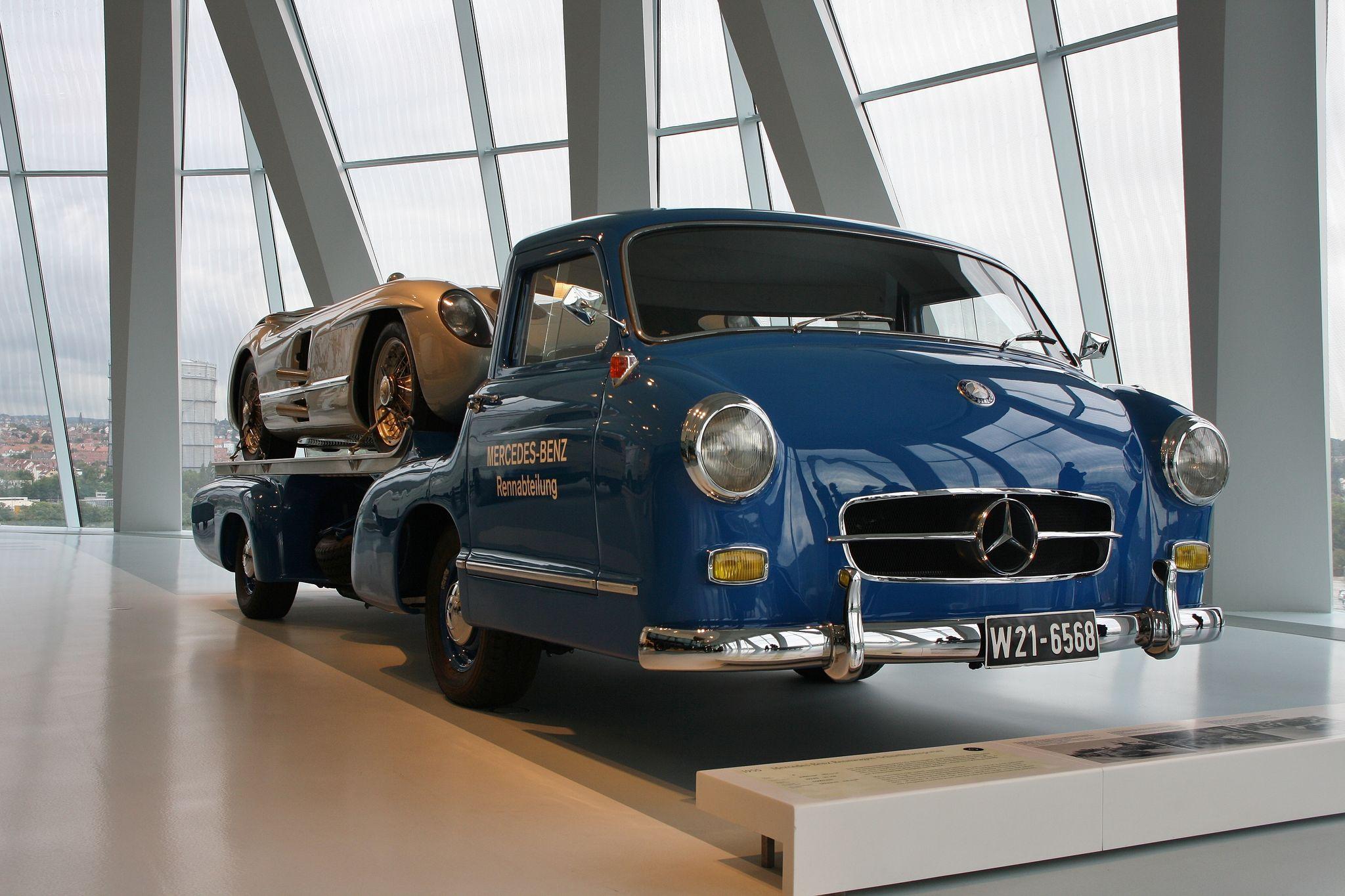 mercedes benz museum3 Mercedes Benz Museum in Stuttgart, Germany