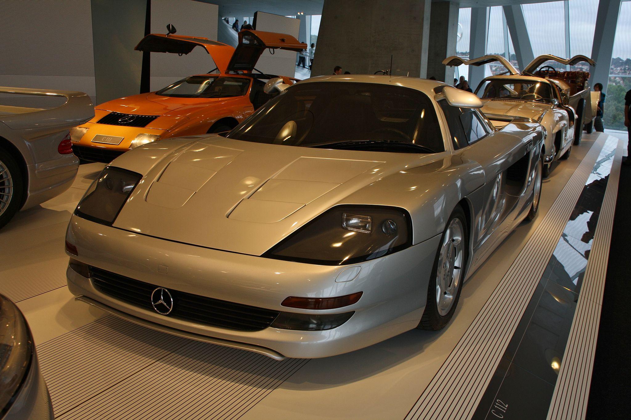 mercedes benz museum5 Mercedes Benz Museum in Stuttgart, Germany