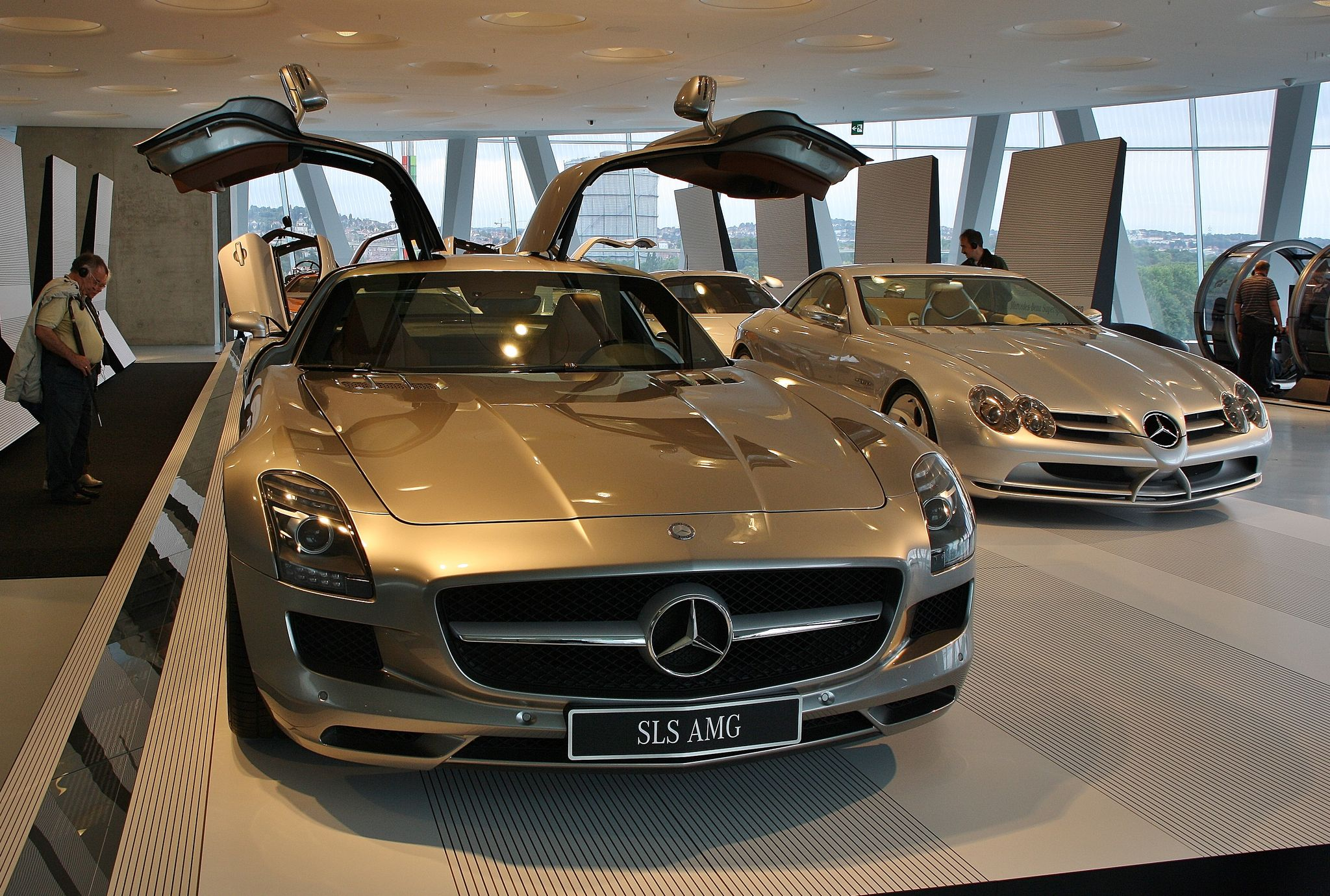 mercedes benz museum7 Mercedes Benz Museum in Stuttgart, Germany