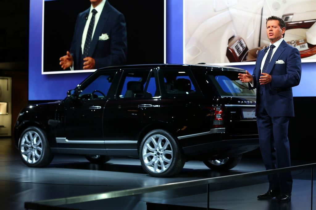 new rangerover11 New Range Rover Revealed at Paris Motor Show