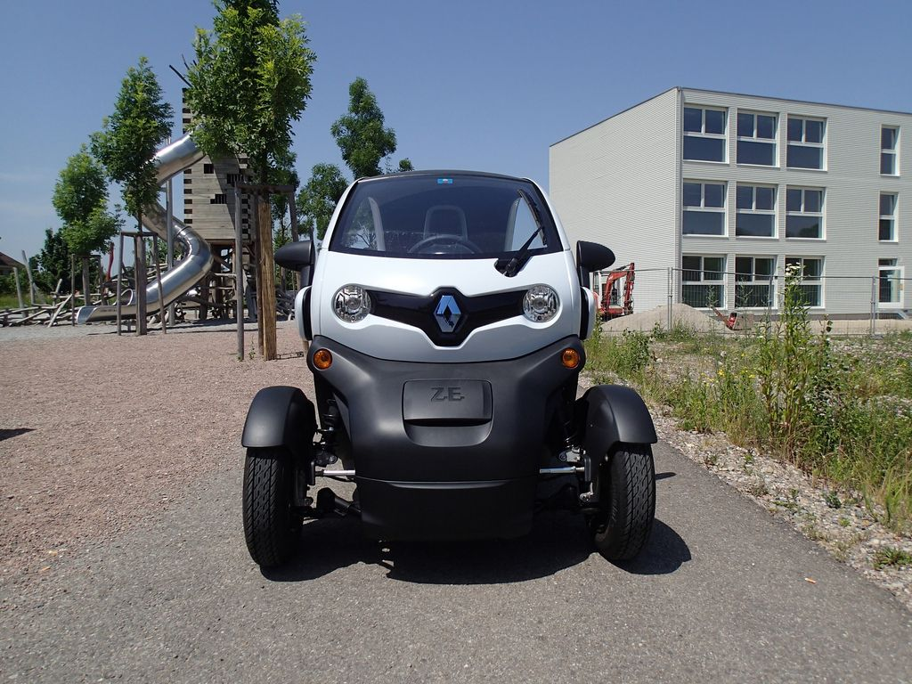 renault twizy10 Renault Twizy   Urban Electric Vehicle