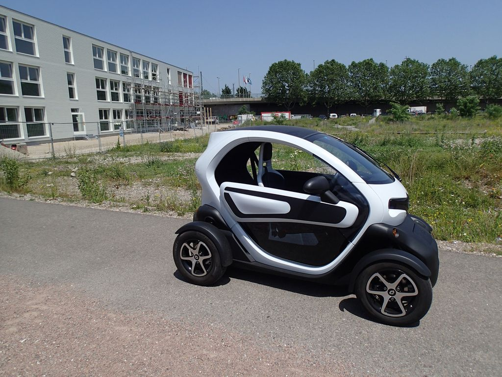 renault twizy5 Renault Twizy   Urban Electric Vehicle