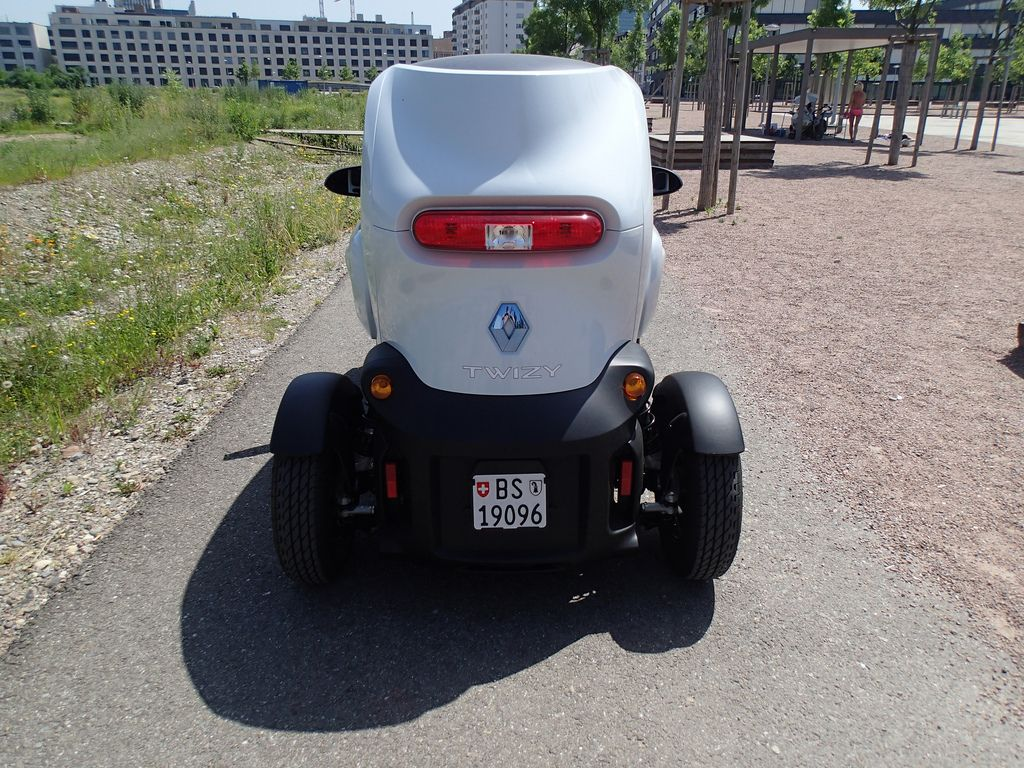 renault twizy8 Renault Twizy   Urban Electric Vehicle