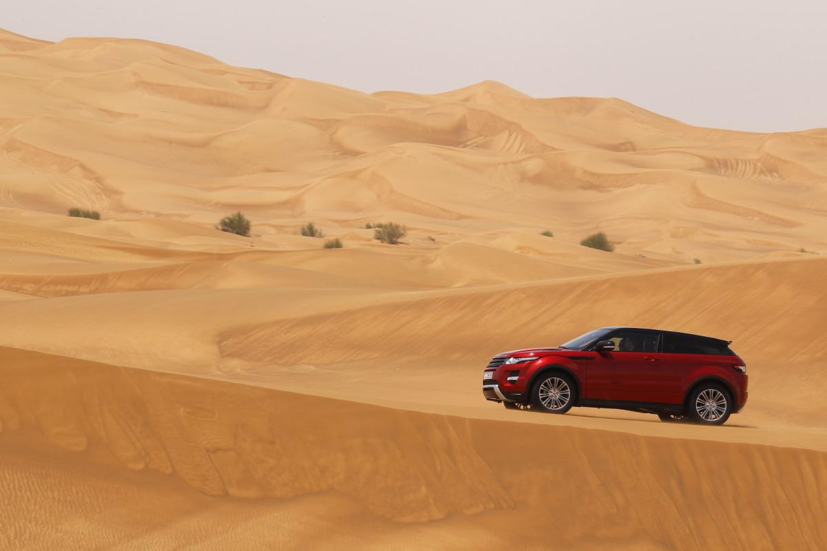 range rover evoque9 Welcome to Desert with Range Rover Evoque