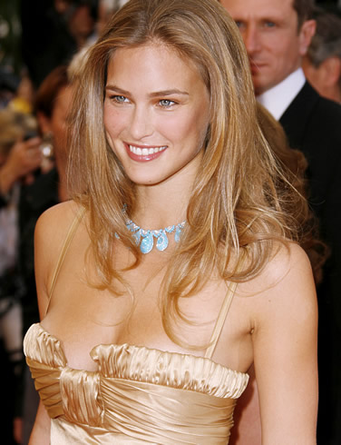 bar refaeli1 Bar Refaeli Is Sexiest Woman in 2012 by Maxim