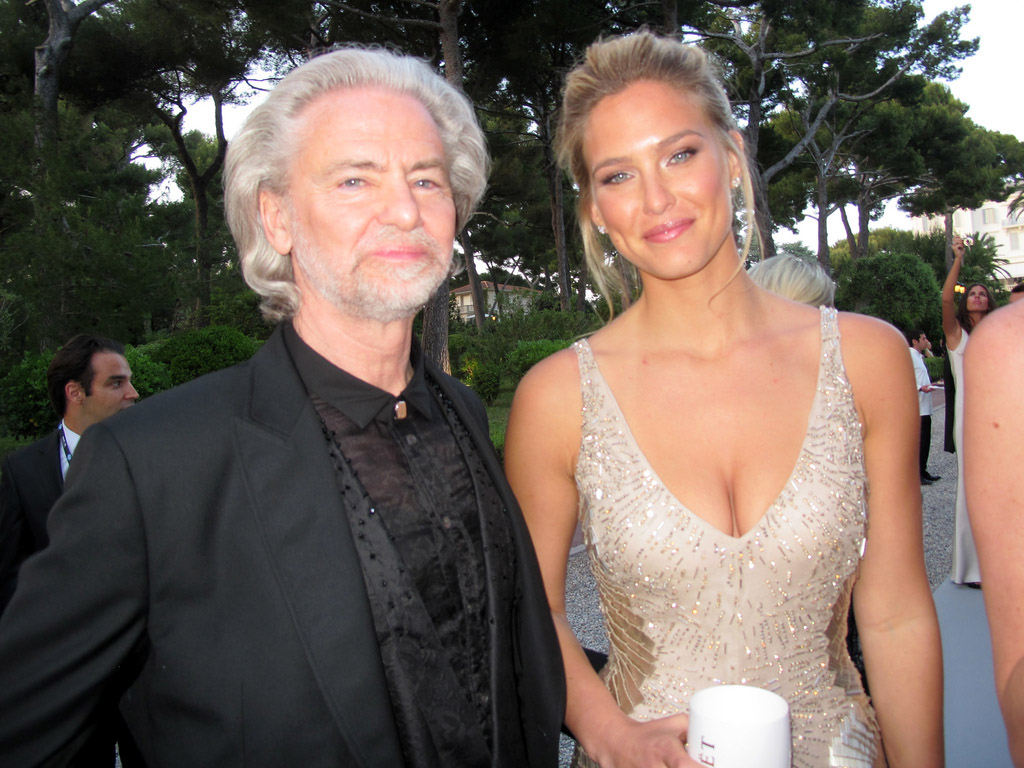 against aids Celebrities Help amfAR in the Fight Against AIDS