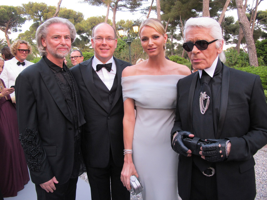 against aids2 Celebrities Help amfAR in the Fight Against AIDS