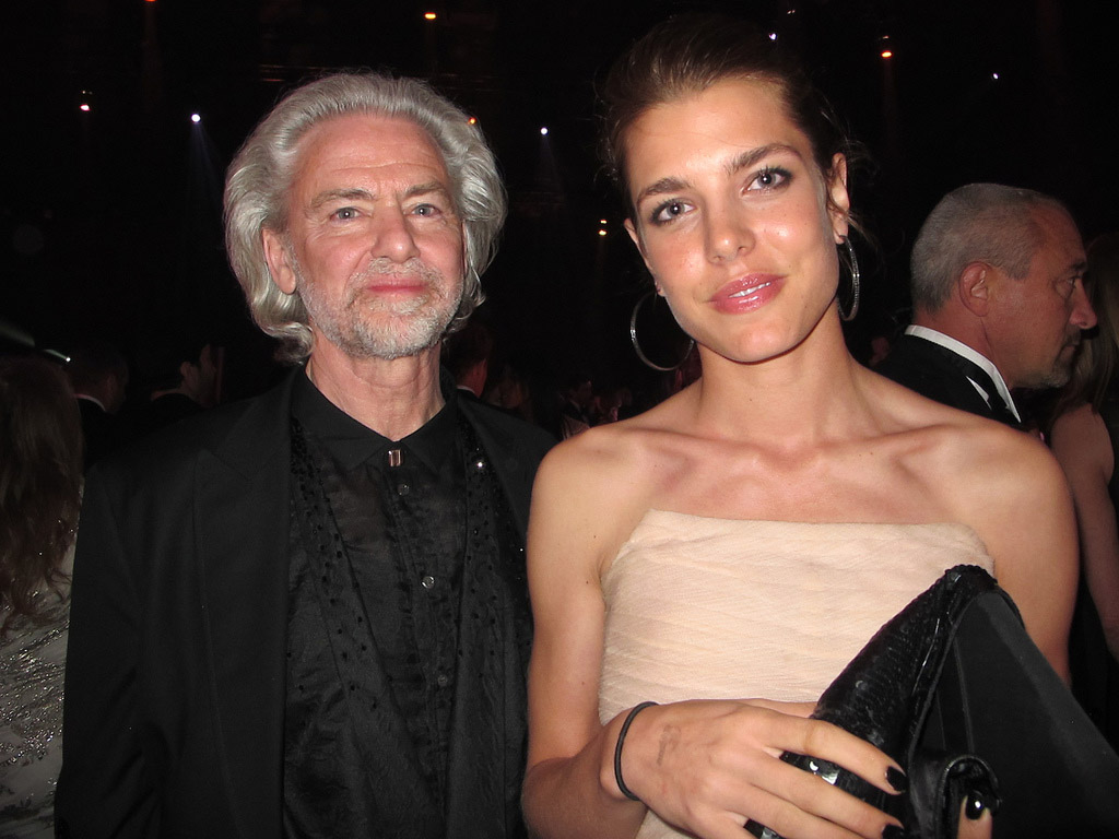 against aids8 Celebrities Help amfAR in the Fight Against AIDS