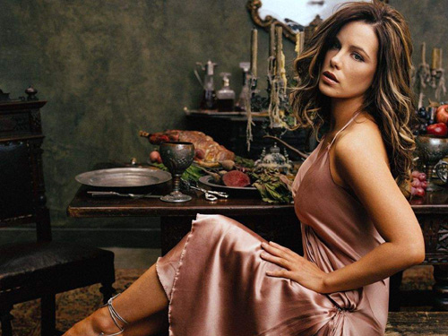 kate beckinsale4 Dangerous Girl Kate Beckinsale