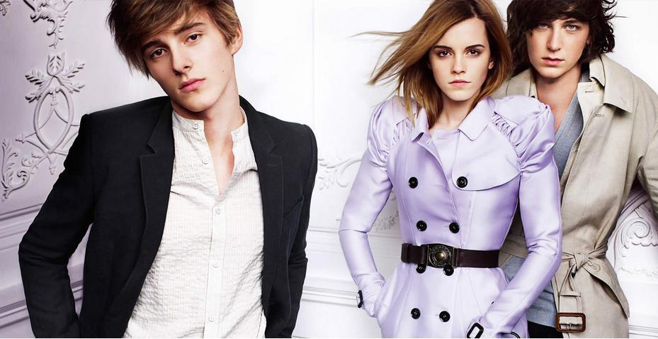 emma watson picture4 Emma Watson Looks Chic