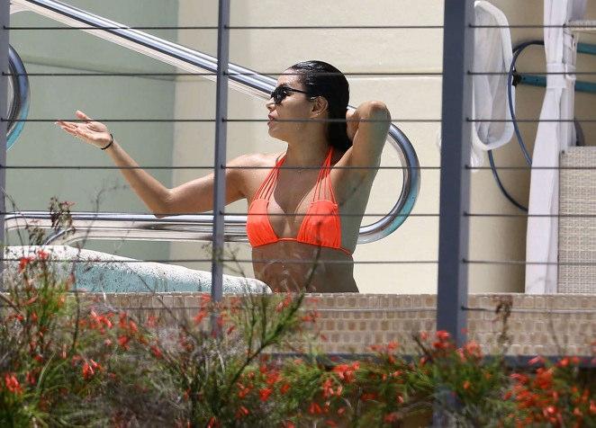 eva longoria bikini10 Eva Longoria in Bikini at Miami
