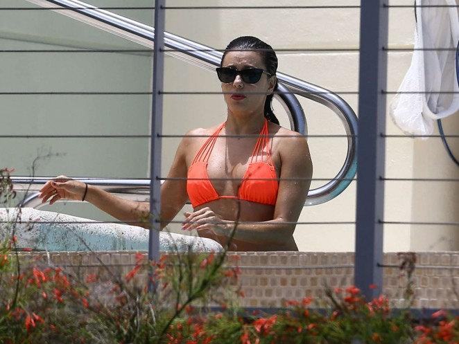 eva longoria bikini2 Eva Longoria in Bikini at Miami
