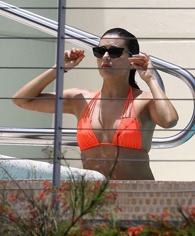 eva longoria bikini8 Eva Longoria in Bikini at Miami
