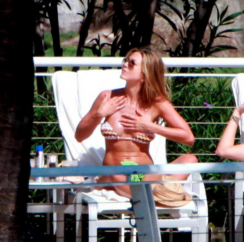 jennifer aniston bikini10 Hot Jennifer Aniston in Bikini