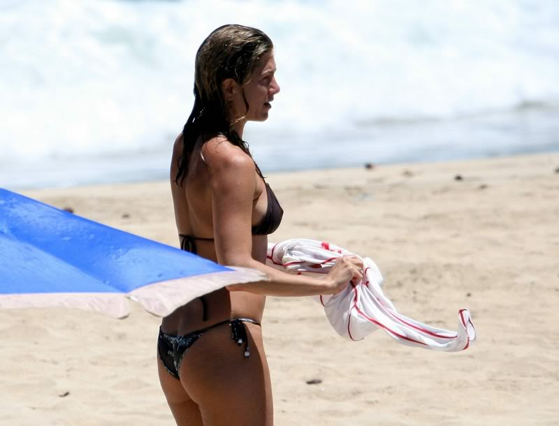 jennifer aniston bikini15 Hot Jennifer Aniston in Bikini