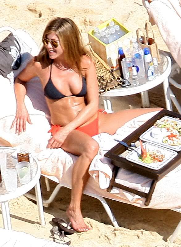 jennifer aniston bikini7 Hot Jennifer Aniston in Bikini