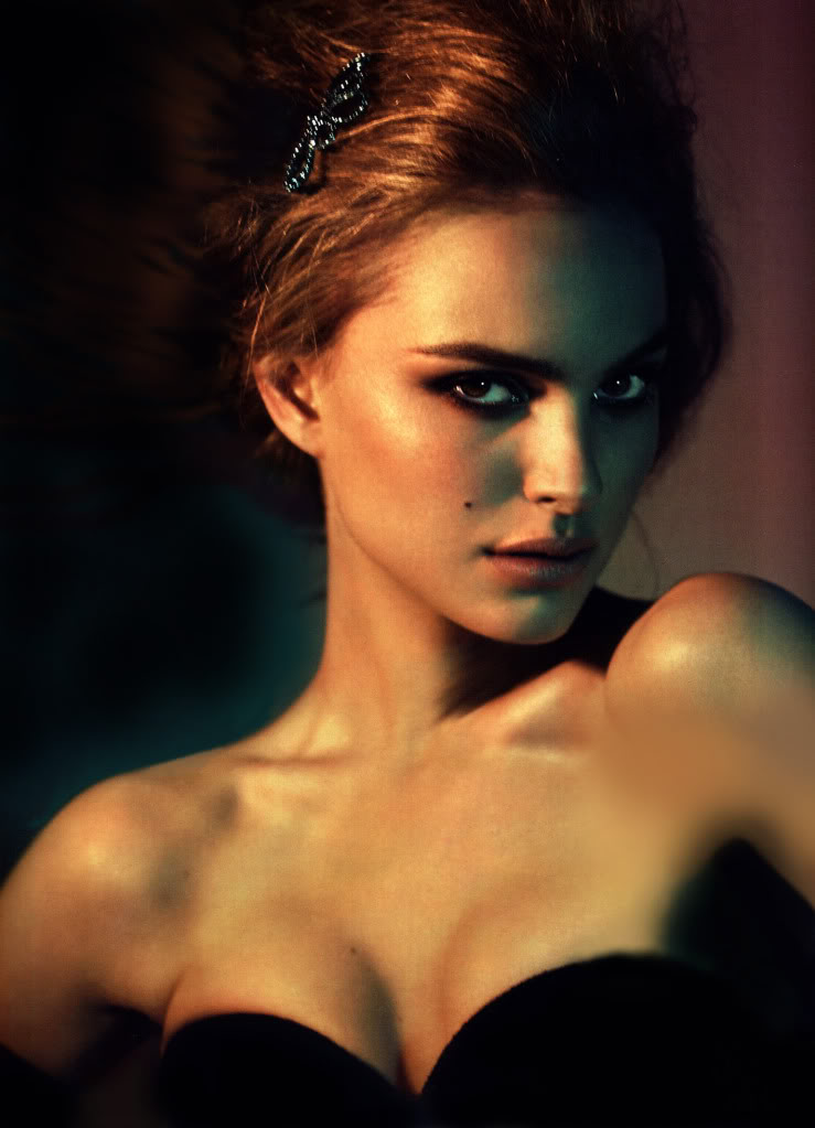 natalie portman cleavage6 Natalie Portman   Celebrity with Cute Cleavage