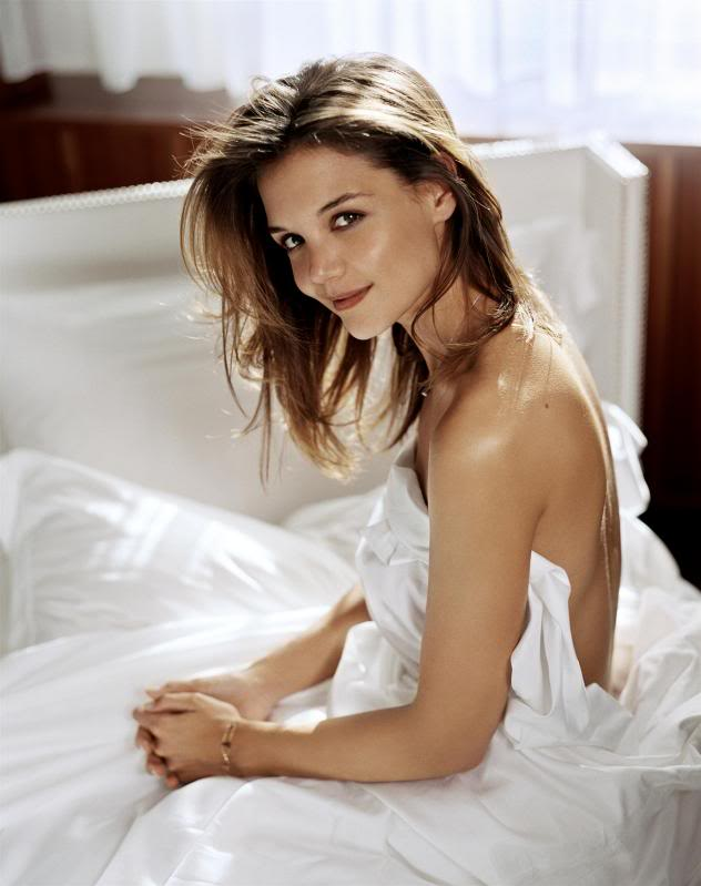 katie holmes in bed1 Sweet Katie Holmes in the Bed