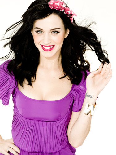 katy perry pictures3 Sweet Katy Perry in Purple Dresses