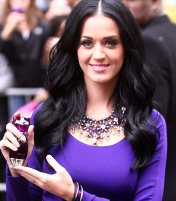 katy perry pictures4 Sweet Katy Perry in Purple Dresses