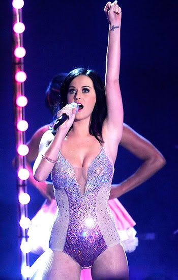 katy perry pictures9 Sweet Katy Perry in Purple Dresses