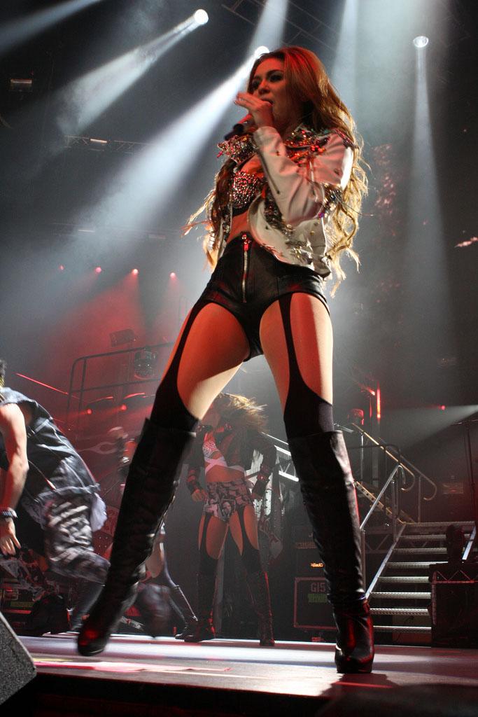 miley cyrus Teenage Pop Star Miley Cyrus