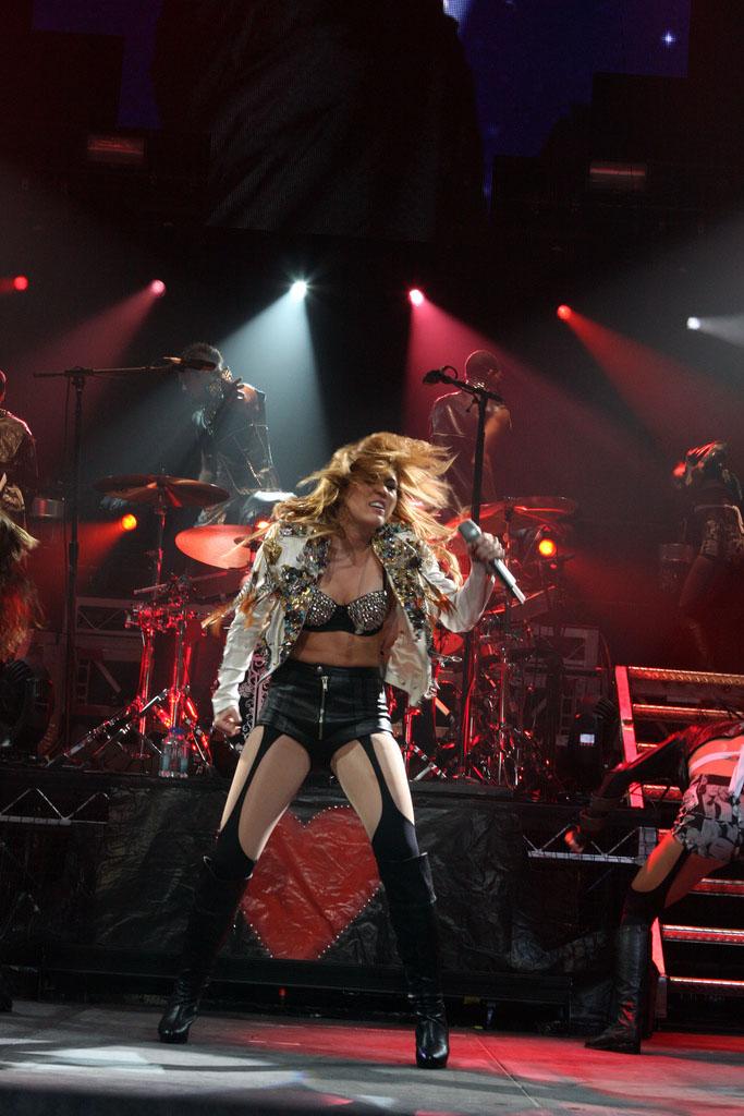 miley cyrus2 Teenage Pop Star Miley Cyrus