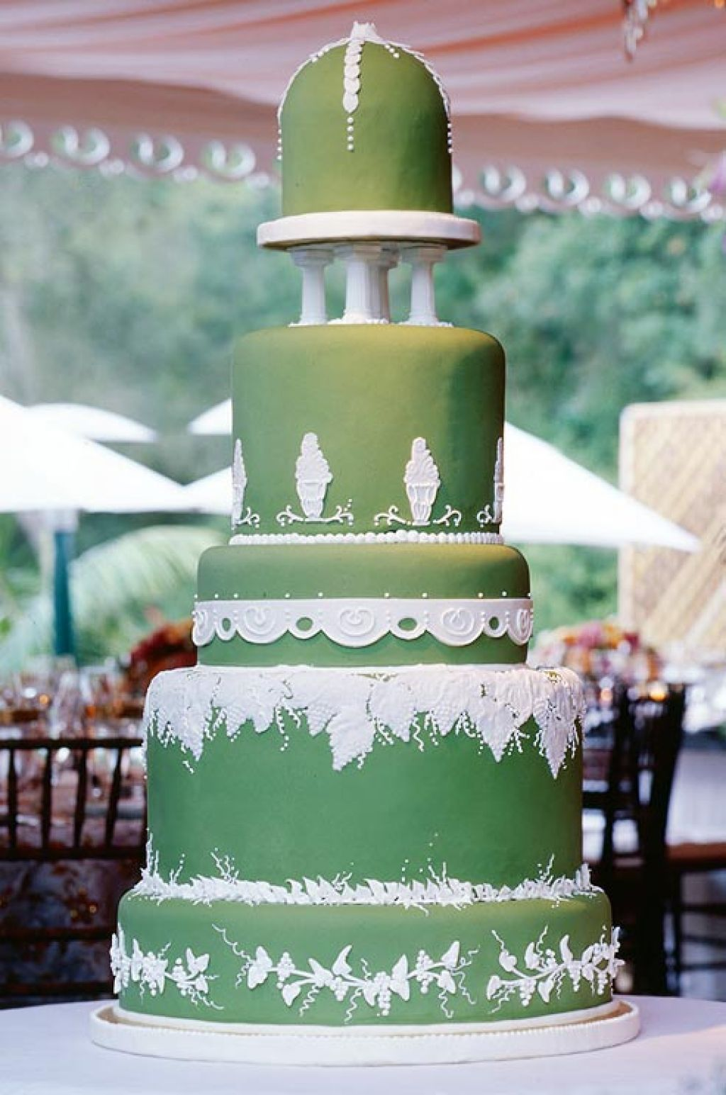 wedding cake13 Creative Wedding Cakes Inspiration
