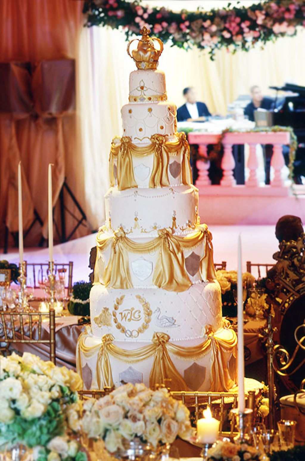 wedding cake9 Creative Wedding Cakes Inspiration