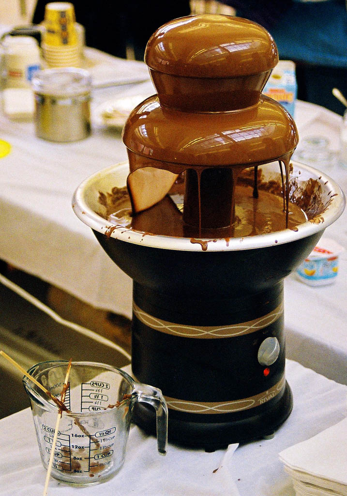 chocolate fountain4 What Kind of Chocolate Could Be Used in a Chocolate Fountain