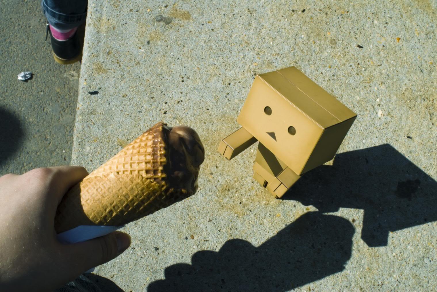 paper robot11 Funny Paper Box Robot Models
