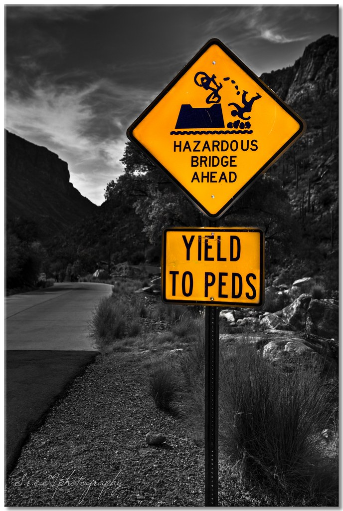funny road signs 1 Funny Road Signs