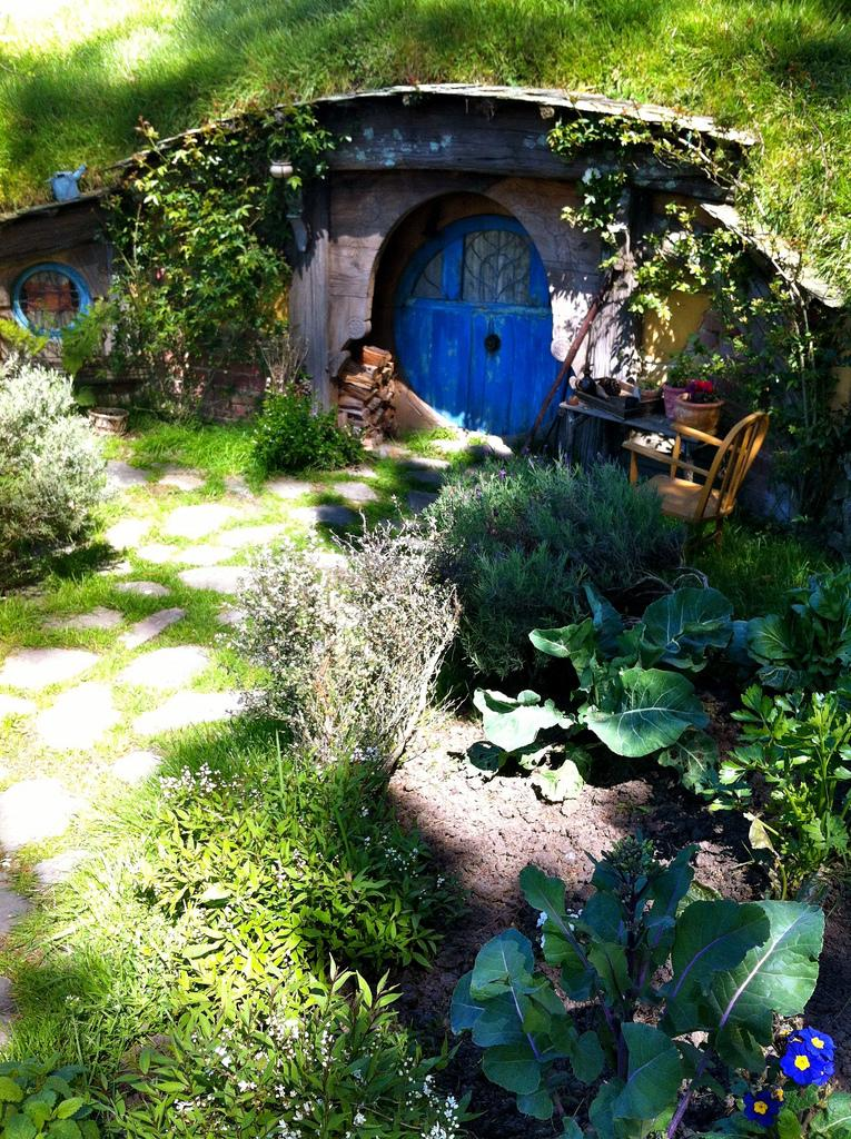 hobbiton movie set15 Hobbiton Movie Set in Matamata, North Island of New Zealand